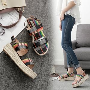 夏季新款!特殊彩色面料,圆头坡跟泡沫底包麻绳!舒适时尚女凉鞋
