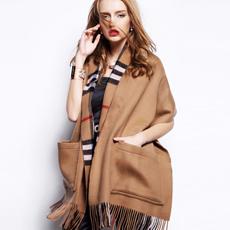 2017新款经典格子英伦风羔羊绒双面加厚大口袋披肩保暖围巾