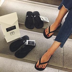 New onedouble đen flip-flops nữ pinch chân dép đi trong nhà phụ nữ mùa hè mặc non-slip đáy phẳng với giày bãi biển