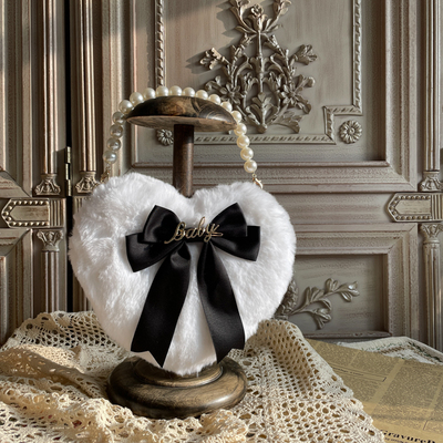 taobao agent 【MAID】Original homemade Lolita white hand-made plush love bag bow portable diagonal bag