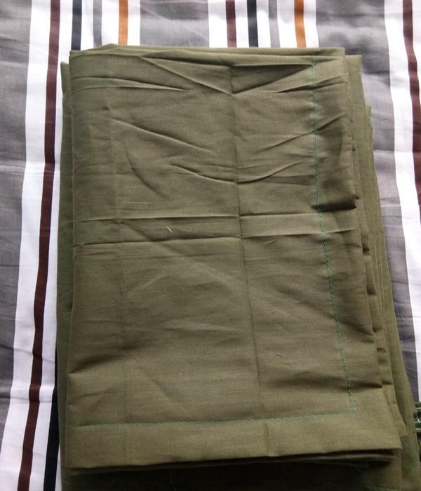 2018 tấm chăn gối ba bộ màu xanh lá cây rắn màu duy nhất ký túc xá sinh viên đào tạo quân sự áo khoác bông quilt