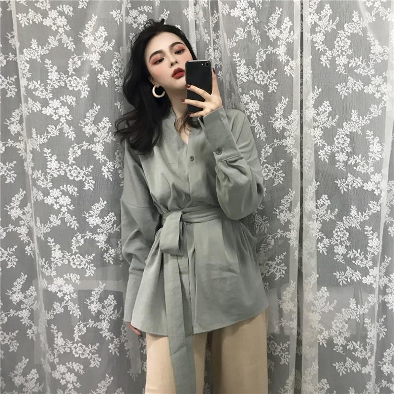 实拍~复古慵懒风纯色系带收腰V领显瘦中长款设计感长袖衬衫外套