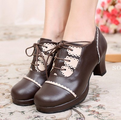 taobao agent Japanese Lolita lace daily round toe high thick heel color matching sweet retro small leather shoes