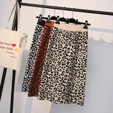 2018秋冬新款韩版豹纹半身裙女高腰显瘦中长款百搭针织裙包臀裙