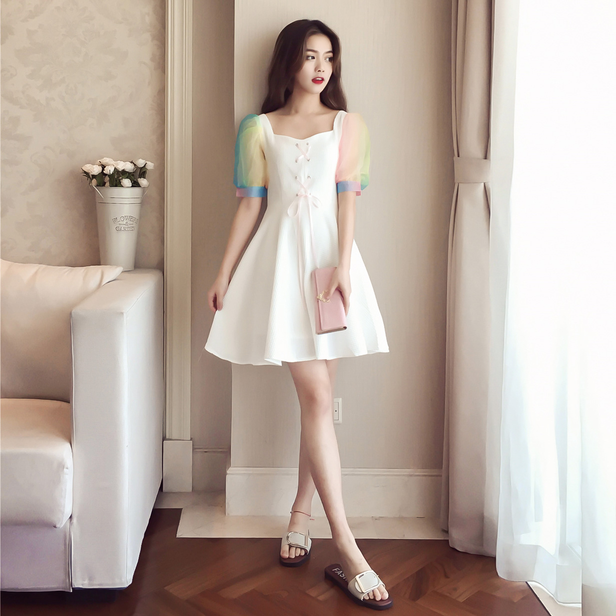[Giá thấp giải phóng mặt bằng tại chỗ flash] cầu vồng phun tay áo cô gái trái tim một từ váy trắng tie cao eo váy
