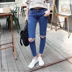 韩版秋季新款时尚磨破修身显瘦膝盖破洞小脚九分牛仔裤7115