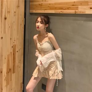 Retro gió nhẹ nhàng ba mảnh phù hợp với nữ xếp li quan điểm dài tay kem chống nắng cardigan + nhỏ sling + xù váy