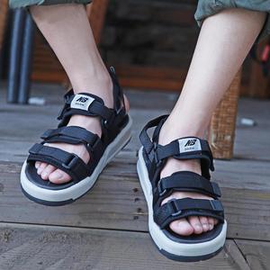 New Bailun Giày Thể Thao Co., Ltd. ủy quyền NB giày bãi biển mùa hè dán ma thuật dép nam dép thở thủy triều