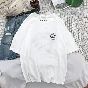 实拍  夏季(人间喜剧)绣花   几何图案绣花短袖   创意时尚半袖