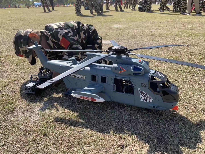 Xuất khẩu trực thăng quân đội Canada Xe tăng SUV Xe bọc thép Mô hình Máy bay Toy Boy Quà tặng Giáng sinh - Khác