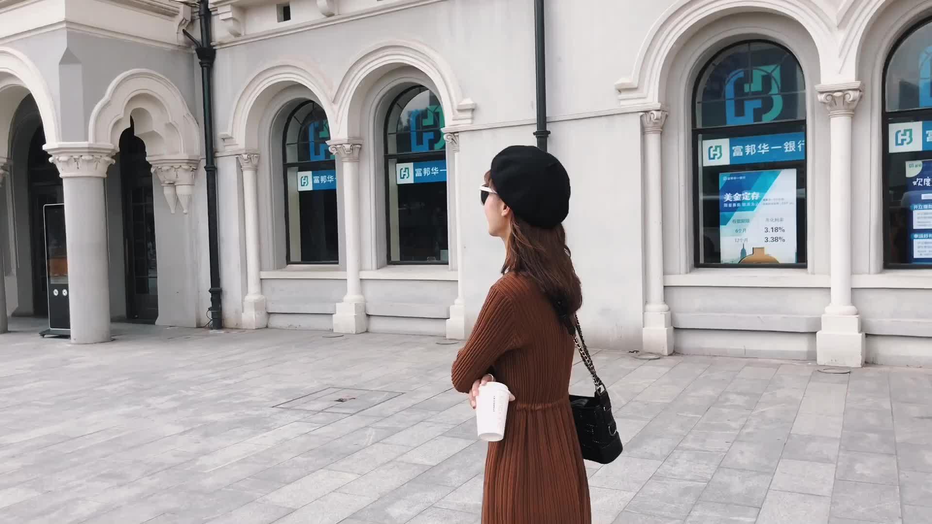 朵維思2018秋冬女裝新款韓版針織連衣裙修身顯瘦打底裙