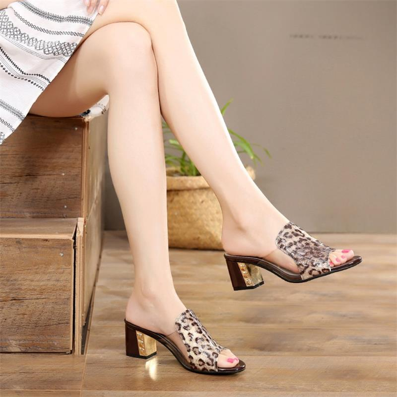 新潮新款时尚韩版真皮拖鞋女鱼嘴女中跟凉鞋