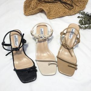 2018夏季爆款粗跟罗马系带夹脚方头简约凉鞋大气时髦必备款超百搭